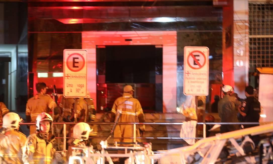 Hospital Badim permanece sem energia; bombeiros estão no local Foto: Fabio Motta