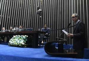 João Roberto Marinho discursa na sessão especial em homenagem aos 50 anos do Jornal Nacional Foto: Marcos Oliveira/Agência Senado