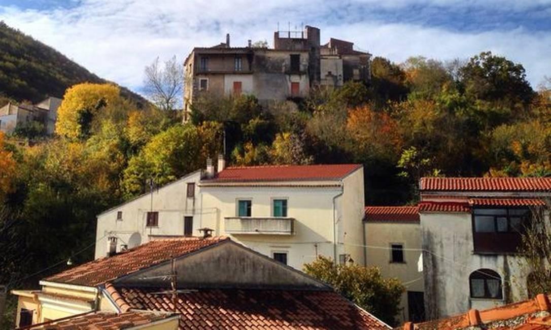Filignano tem 700 moradores e costuma ser escala de turistas no verão Foto: Reprodução