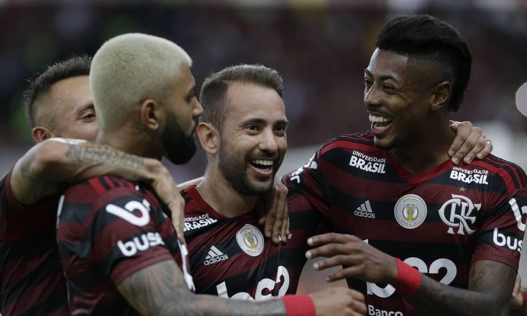 Gabigol diz que ouviu orientação de Diego Alves em gol sobre o Santos