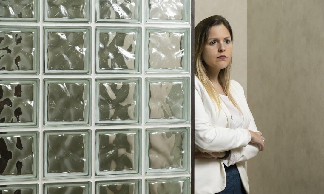 Empresa de brindes fecha as portas e prejudica noiva. Na foto, a cliente Regina Lo Ré Foto: Leo Martins / Agência O Globo