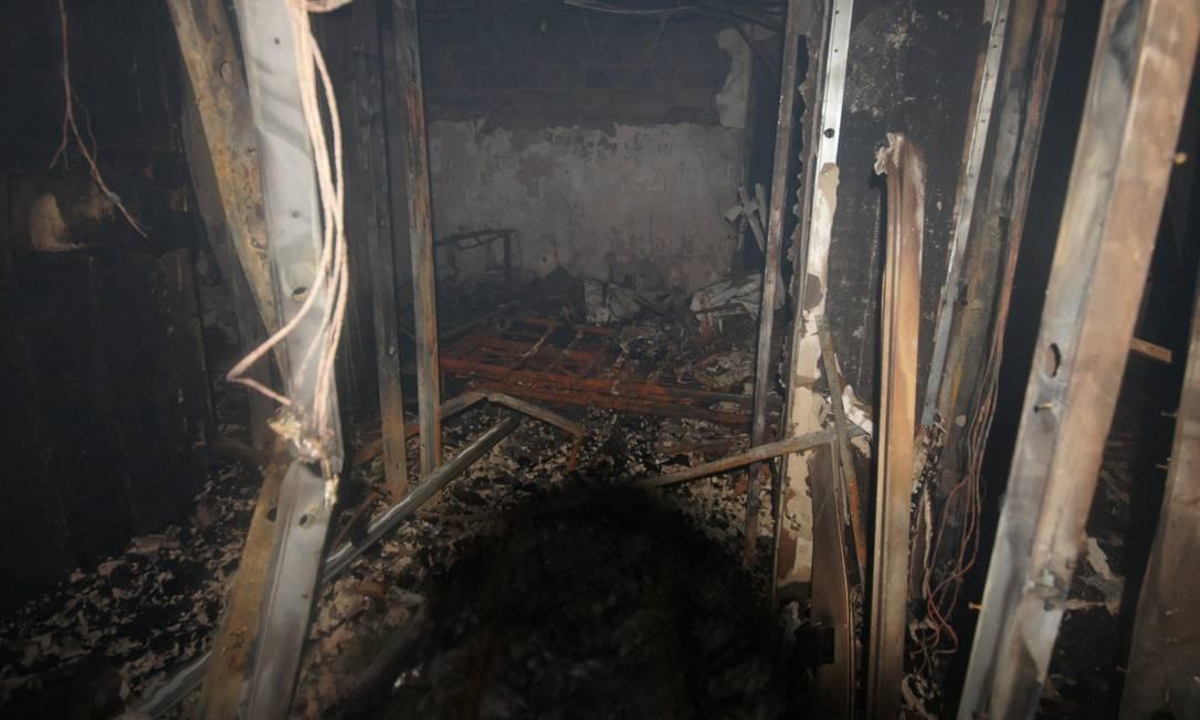Ferro retorcido após incêndio no hospital Badim, que deixou 11 mortos Foto: Imagem cedida pela TV Globo
