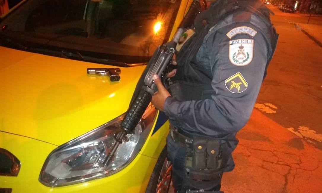Após roubo de taxi, perseguição policial na Barra da Tijuca termina com um preso Foto: Reprodução