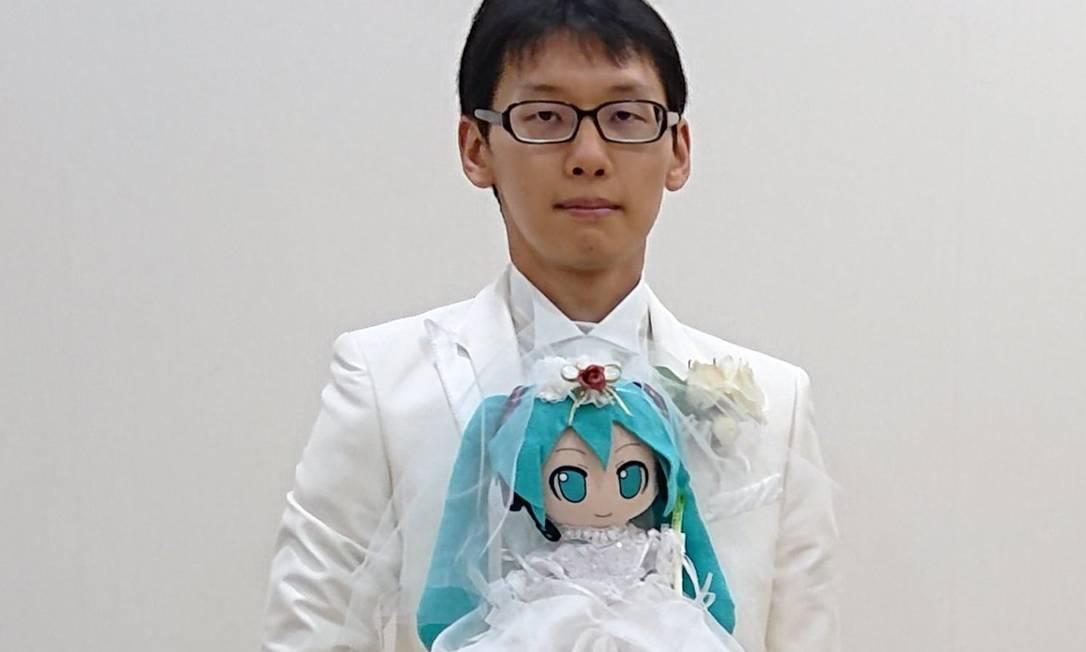 Akihito Kondo diz que era muito solitário até encontrar seu amor virtual Foto: Reprodução