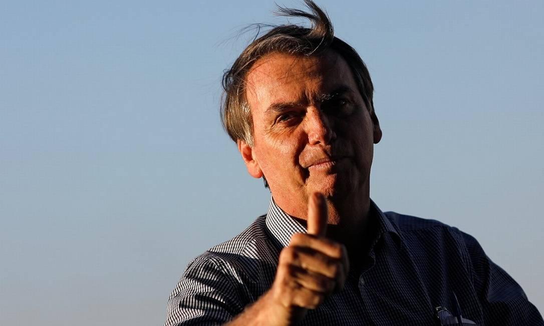 Bolsonaro ao chegar ao Alvorada nesta segunda, após a alta do hospital. Foto: ADRIANO MACHADO / REUTERS