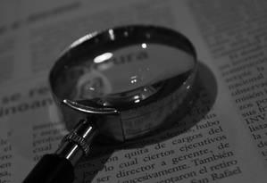 Mercados terão que oferecer lupa para que consumidor consiga ler letras pequenas em rótulos Foto: Pixabay
