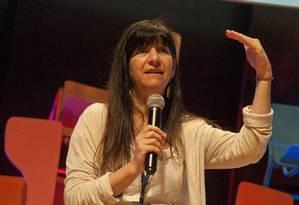 A professora Lindy Amato, de Ontário, no Canadá, durante palestra no Educação 360 Foto: Adriana Lorete / Agência O Globo