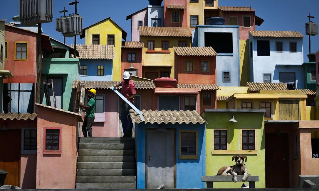 Trabalho de acabamento no Espaço Favela Foto: Pablo Jacob / Agência O Globo