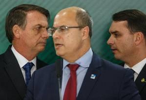 Na madrugada de terça-feira, Flávio reforçou aos deputados estaduais a orientação de que devem endurecer com o governo Witzel Foto: Daniel Marenco / Agência O Globo