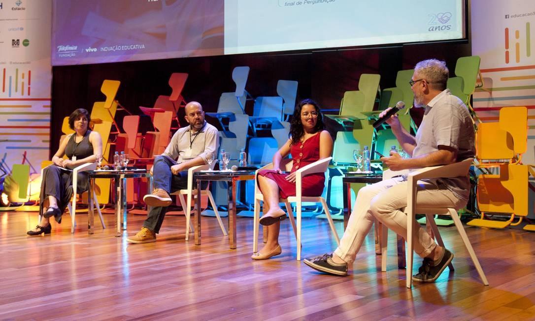 """Participantes do painel """"Juventude e Conexões"""", no Educação 360 Foto: Adriana Lorete / Agência O Globo"""