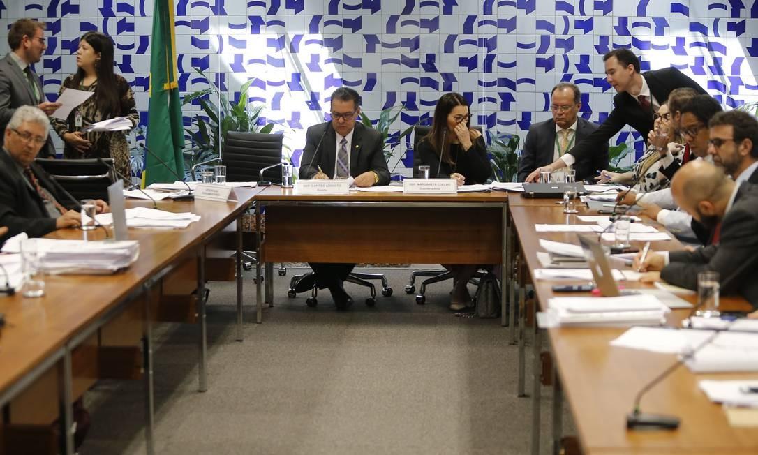 O grupo de trabalho também excluiu a possibilidade de gravação de conversas entre presos e advogados, mesmo que autorizada pela Justiça Foto: Jorge William / Agência O Globo