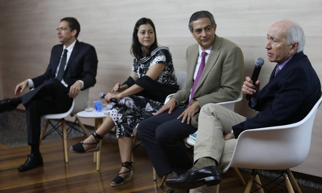 Da esquerda para a direita, Marcelo Chaves, Josy Fischberg, Cláudio Domênico e Barros Franco Foto: Pedro Teixeira / Agência O Globo