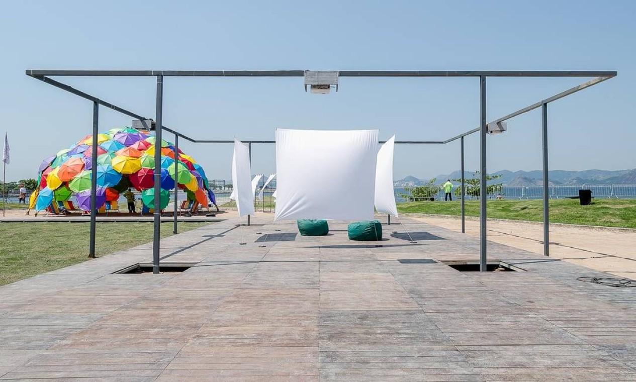 Área externa da ArtRio 2019: três instalações interativas Foto: Divulgação/Bruno Ryfer