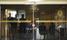 Polícia Federal realiza buscas no gabinete do senador e líder do governo Fernando Bezerra Coelho Foto: Marcelo Camargo/Agência Brasil