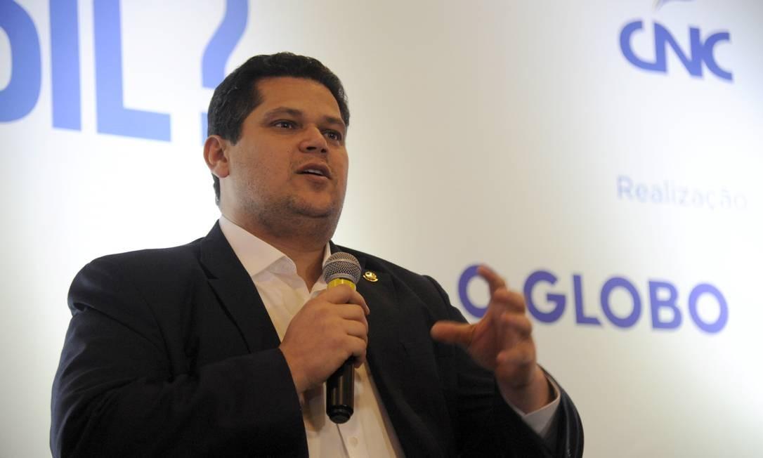 O presidente do Senado, Davi Alcolumbre, no envento 'E Agora, Brasil ?', realizado em Brasília Foto: Adriana Lorete / Agência O Globo