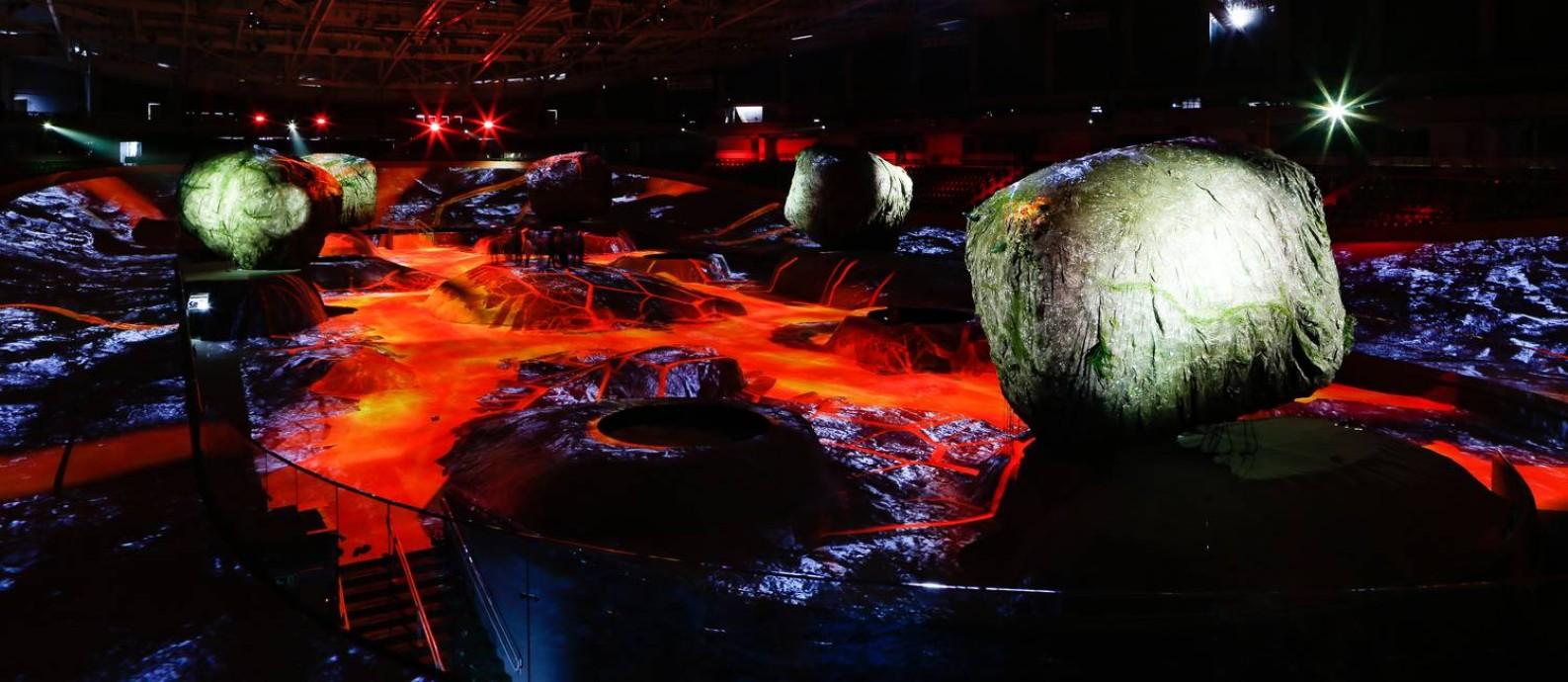 Nave: instalação tem 5 mil metros quadrados de projeções mapeadas que simulam diversos fenômenos naturais Foto: Roberto Moreyra