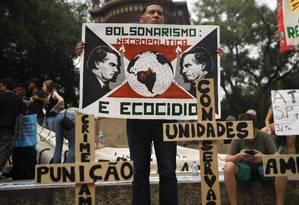 O governo Bolsonaro foi alvo de críticas em manifestações da Greve do Clima em várias cidades do mundo Foto: MAURO PIMENTEL / AFP