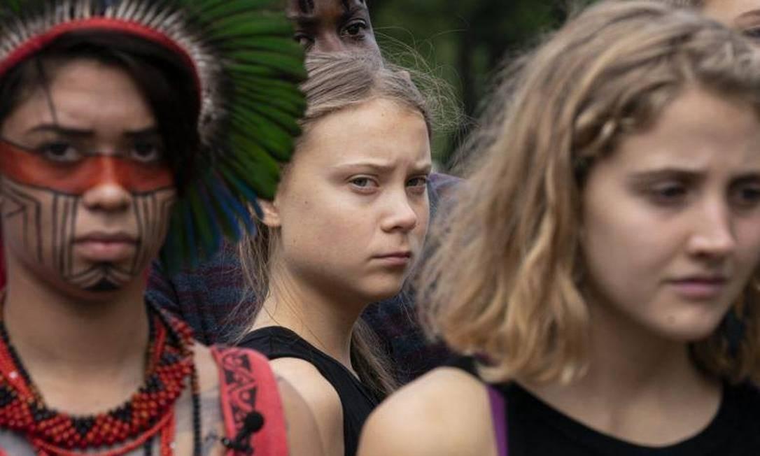 A indígena Artemisa Xakriabá participa de ato em Nova York ao lado da ativista Greta Thunberg Foto: Divulgação