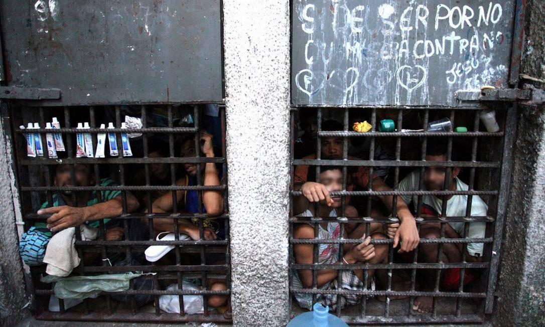 Presos em cela superlotada em unidade prisional de Sergipe Foto: Luiz Silveira/Agência CNJ/25-11-2013