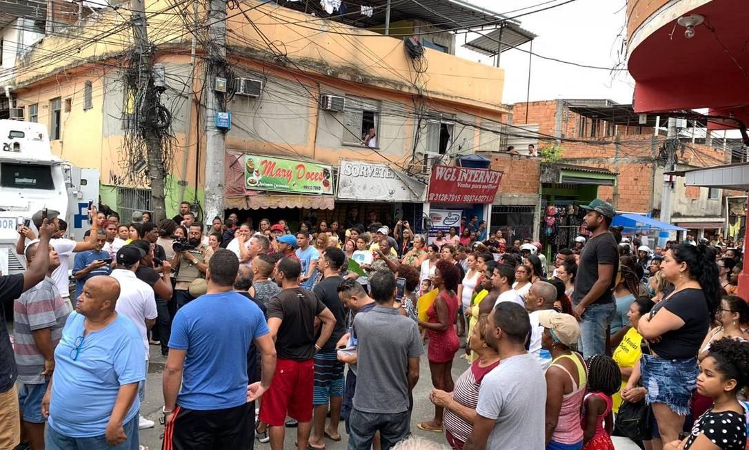 Manifestação reúne moradores no Alemão Foto: Renê Silva/Voz das Comunidades