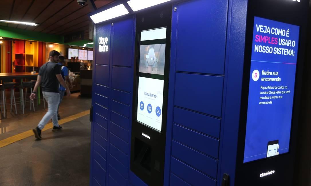 """Um dos """"lockers"""" instalados nas estações do metrô no Rio Foto: Pedro Teixeira / O Globo"""