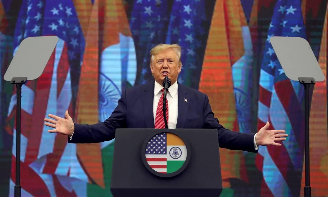 Presidente dos EUA, Donald Trump, em evento na cidade de Houston. Trump diz que acusações de que teria pressionado a Ucrânia por uma investigação contra Joe Biden são um