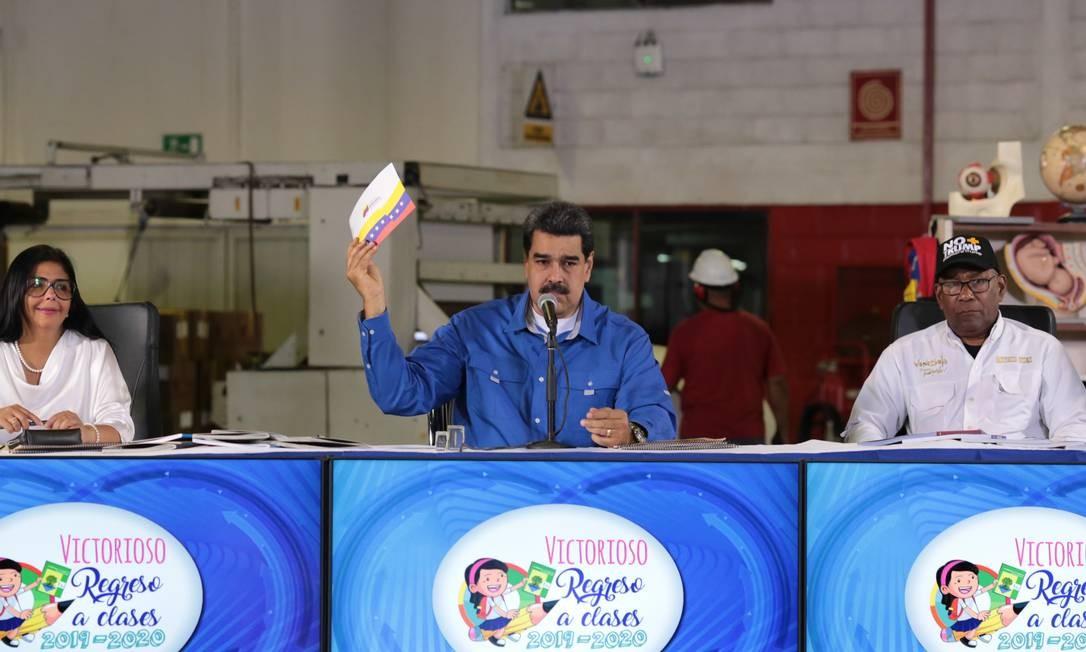 Presidente da Venezuela, Nicolás Maduro, durante evento em Caracas. Ele e outros integrantes do governo venezuelano podem ser alvo de novas sanções, desta vez no âmbito da OEA Foto: WENDYS OLIVO / AFP