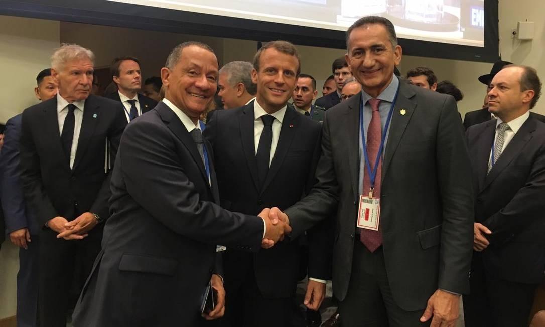 Governador do Amapá, Waldez Góes, com o presidente francês, Emmanuel Macron, e Rodolphe Alexandre, presidente da coletividade da Guiana Francesa Foto: Divulgação