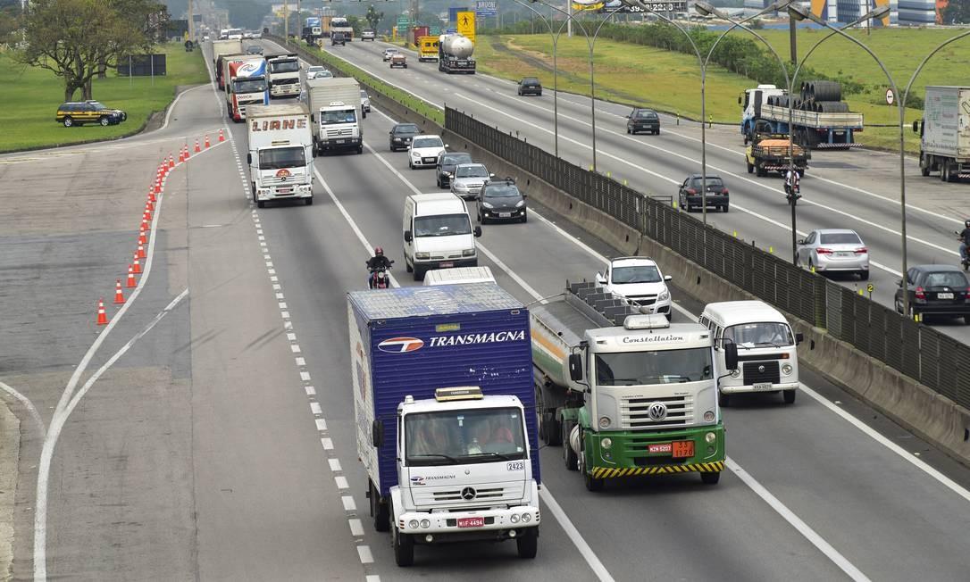 Queda no número de habilitações em quatro anos nas categorias que compreendem caminhoneiros e motoristas de ônibus vai na contramão do aumento geral no país Foto: Lucas Lacaz Ruiz