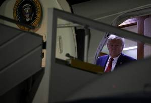 """Donald Trump desembarca em Nova York para eventos no âmbito da Assembleia Geral da ONU. Presidente afirma que conversa com o ucraniano Volodymyr Zelensky ocorreu """"dentro da normalidade"""" Foto: JONATHAN ERNST / REUTERS"""