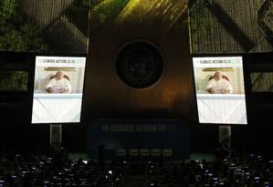 Papa Francisco aparece em vídeo na Cúpula do Clima, na ONU, nesta segunda Foto: LUCAS JACKSON / REUTERS