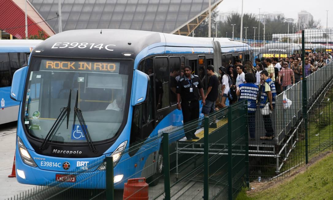 BRT é uma das opções mais procuradas de transporte para o Rock in Rio Foto: Guito Moreto