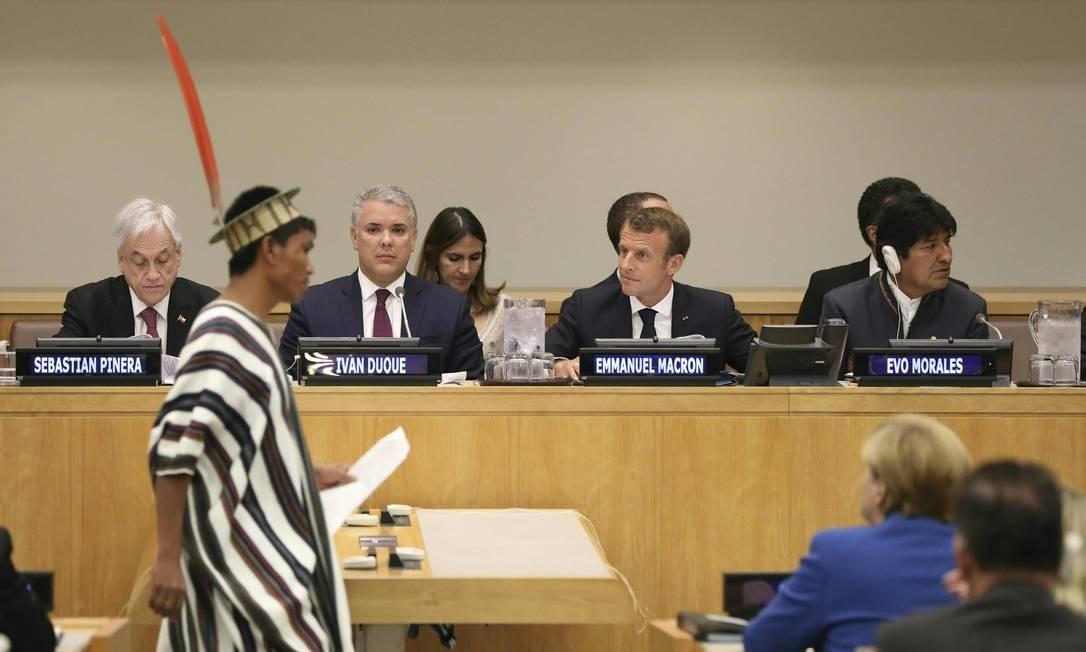 A partir da esquerda, os presidentes de Chile, Colômbia, França e Bolívia, em encontro sobre a Amazônia, na manhã desta segunda Foto: LUDOVIC MARIN / AFP