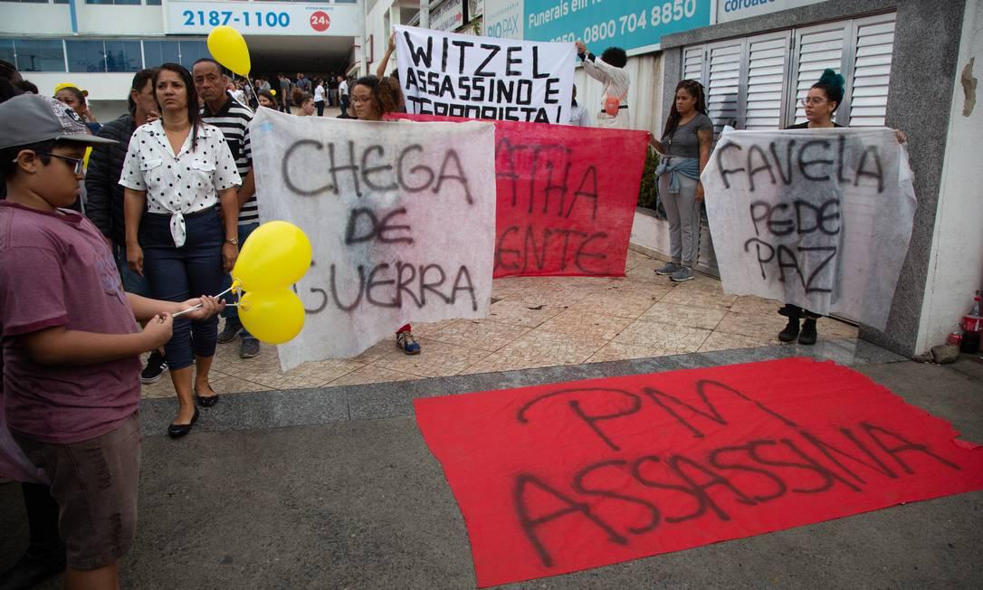 Manifestantes protestam contra morte de Agatha Foto: Bruno Kaiuca / Agência O Globo