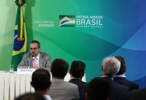 O ministro da Educação, Abraham Weintraub, durante apresentação de programas do MEC Foto: Gabriel Jabur/MEC / Agência O Globo