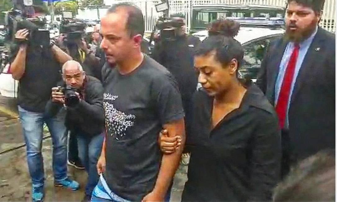 Vanessa Félix e Adegilson Lima chegam à DH da Barra Foto: Diego Amorim / Agência O Globo