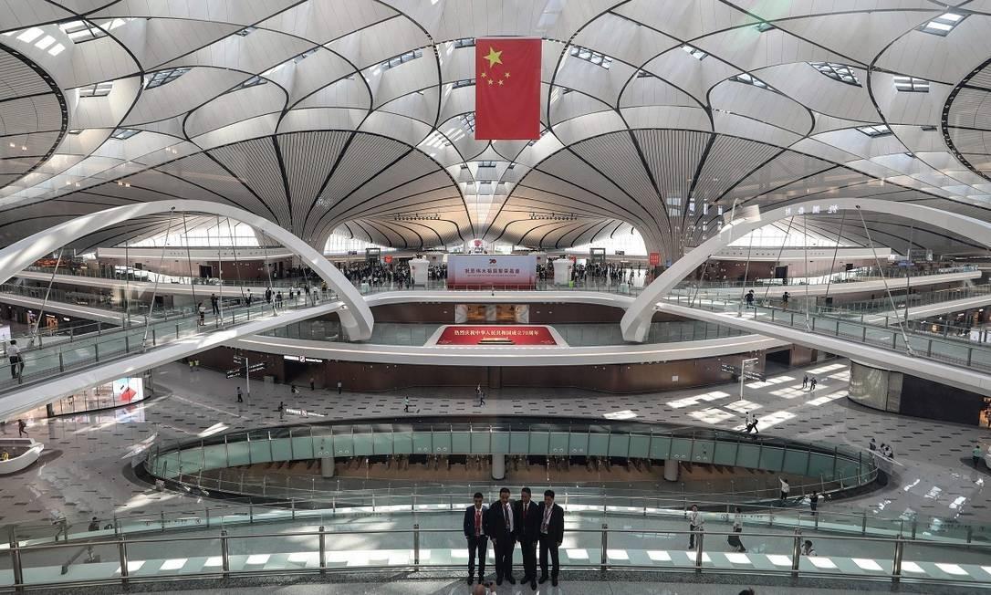 Ao custo de US$ 11 bilhões, o aeroporto tem capacidade de se tornar o mais movimentado do mundo Foto: STR / AFP
