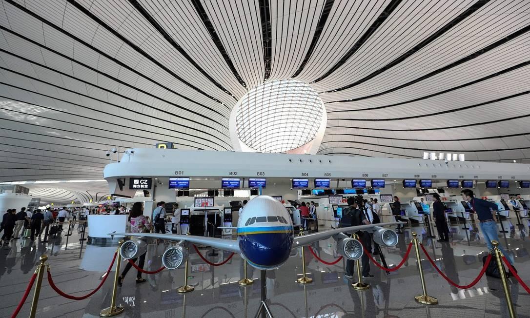 Em breve companhias aéreas internacionais, como British Airways, Cathay Pacific (que é baseada em Hong Kong) e Finnair, começarão a utilizar o aeroporto Foto: STR / AFP