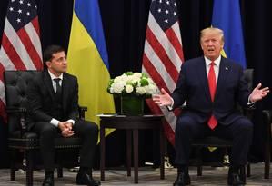 Trump em entrevista coletica ao lado do presidente da Ucrânia, Volodymyr Zelensky Foto: SAUL LOEB / AFP