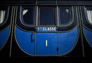 Antigo vagão de primeira classe é um dos destaques do Musée Vivant du Chemin de Fer (Museu Vivo da Linha Férrea), na cidadezinha de Longueville, perto de Paris Foto: Philippe Lopez / AFP