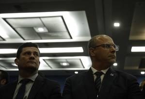 O ministro da Justiça Sergio Moro e o governador Wilson Witzel em encontro em maio no Rio Foto: Gabriel Monteiro / Agência O Globo