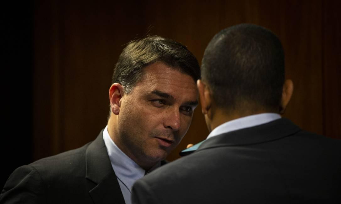 Flávio Bolsonaro: ele não vai mais desfiliar quem ficar no governo Foto: Daniel Marenco / Agência O GLOBO