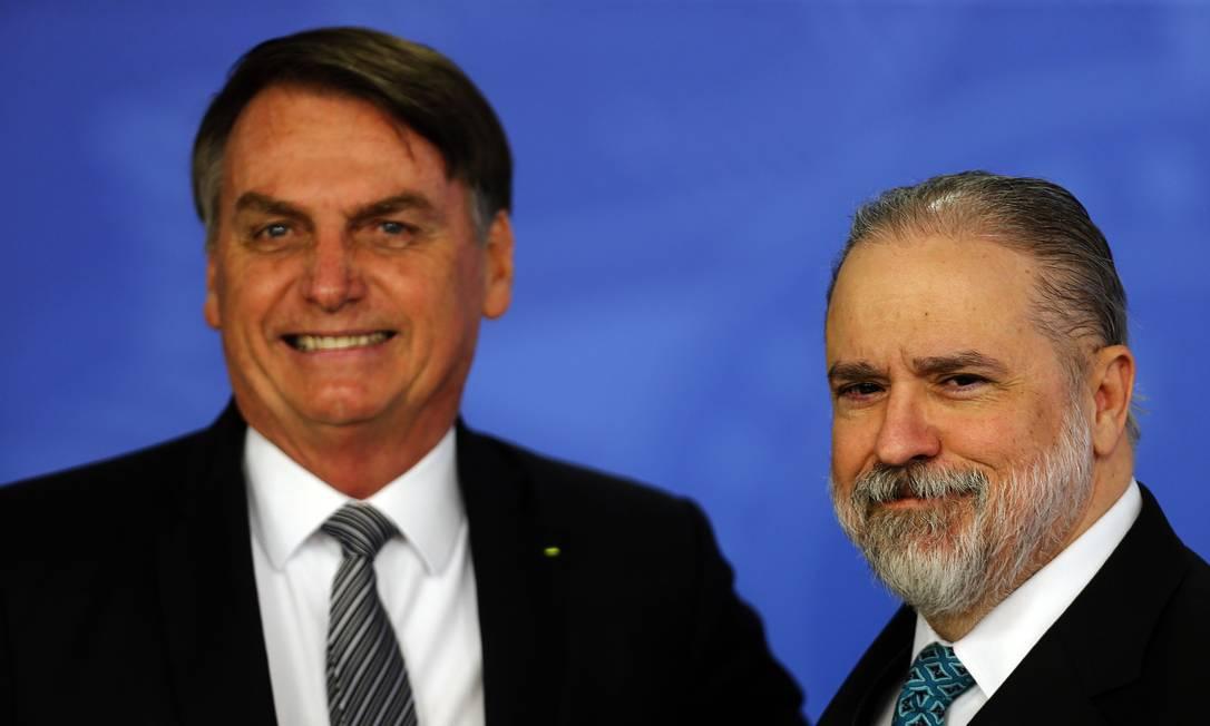 O presidente Jair Bolsonaro participa da solenidade de posse do procurador-geral da República, Augusto Aras Foto: Jorge William / O Globo