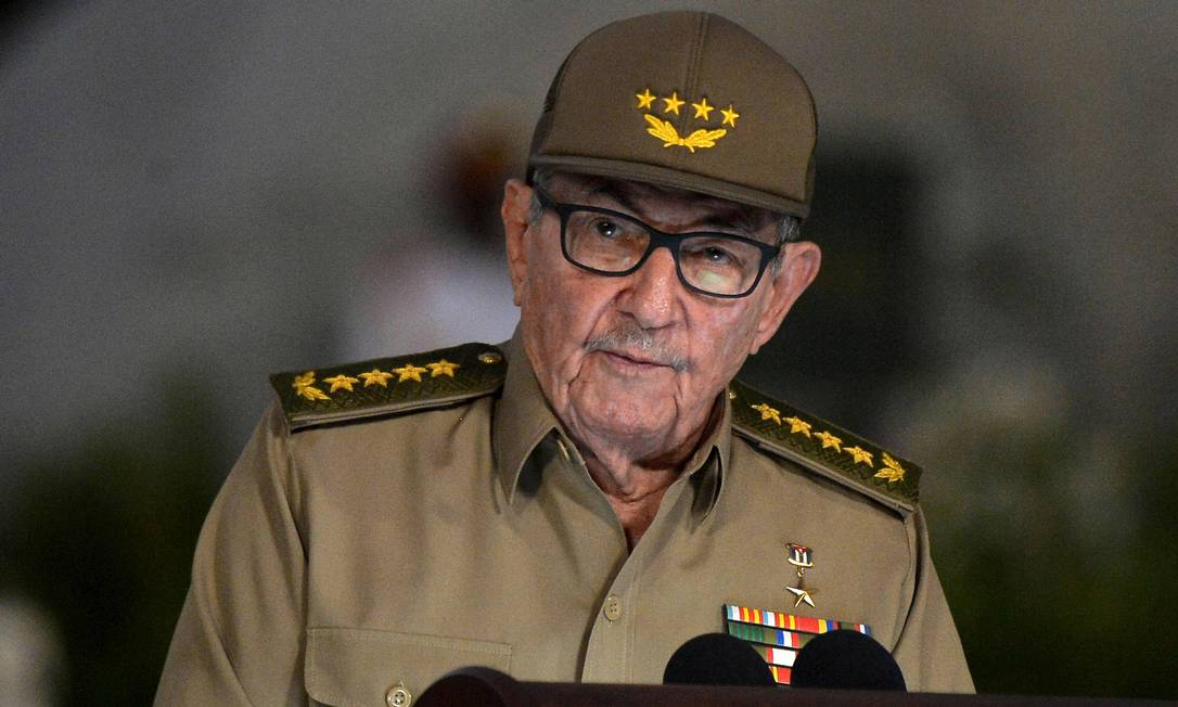 Raúl Castro, de 88 anos, está impedido de entrar em território americano após sanções anunciadas pelo Departamento de Estado. Sua última visita ao país foi em 2015 Foto: YAMIL LAGE / AFP