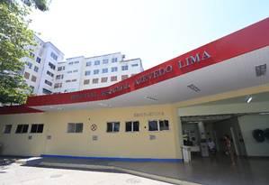 Desprotegido: maior unidade de emergência da cidade, Hospital Estadual Azevedo Lima não tem certificado de aprovação do Corpo de Bombeiros Foto: Roberto Moreyra / Agência O Globo
