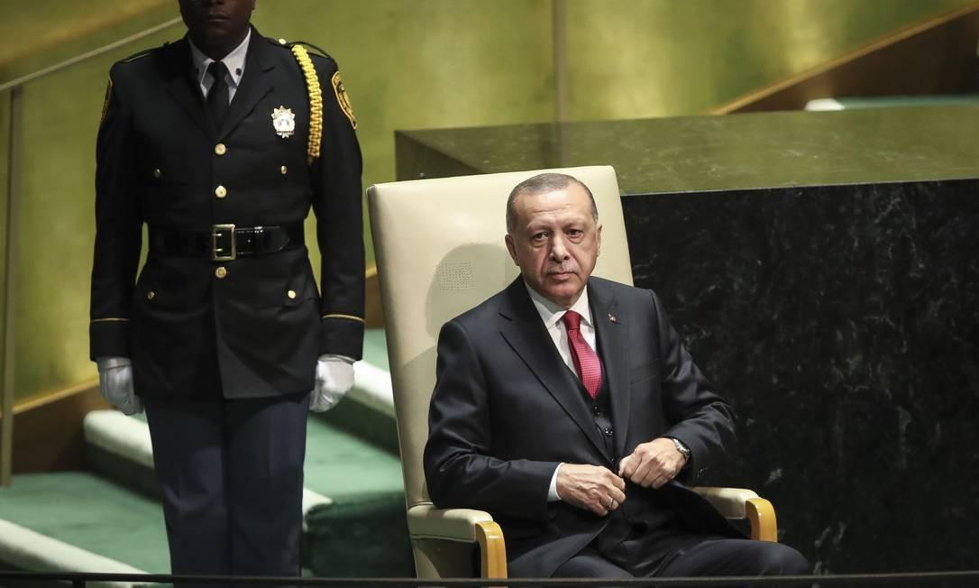 Presidente turco Recep Tayyip Erdogan aguarda para fazer seu discurso nos Debates Gerais da Assembleia Geral da ONU. Discurso focou em questões do Oriente Médio, sem mencionar os problemas internos do país Foto: Drew Angerer / AFP