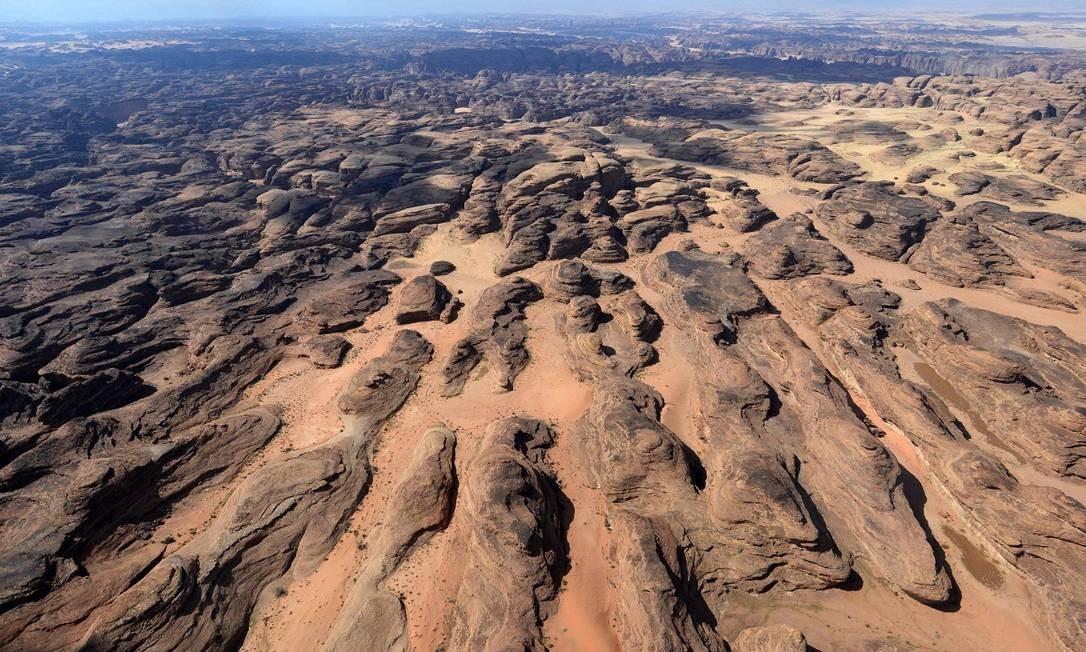 Vista aérea do deserto de Ula, no noroeste da Arábia Saudita Foto: FAYEZ NURELDINE / AFP