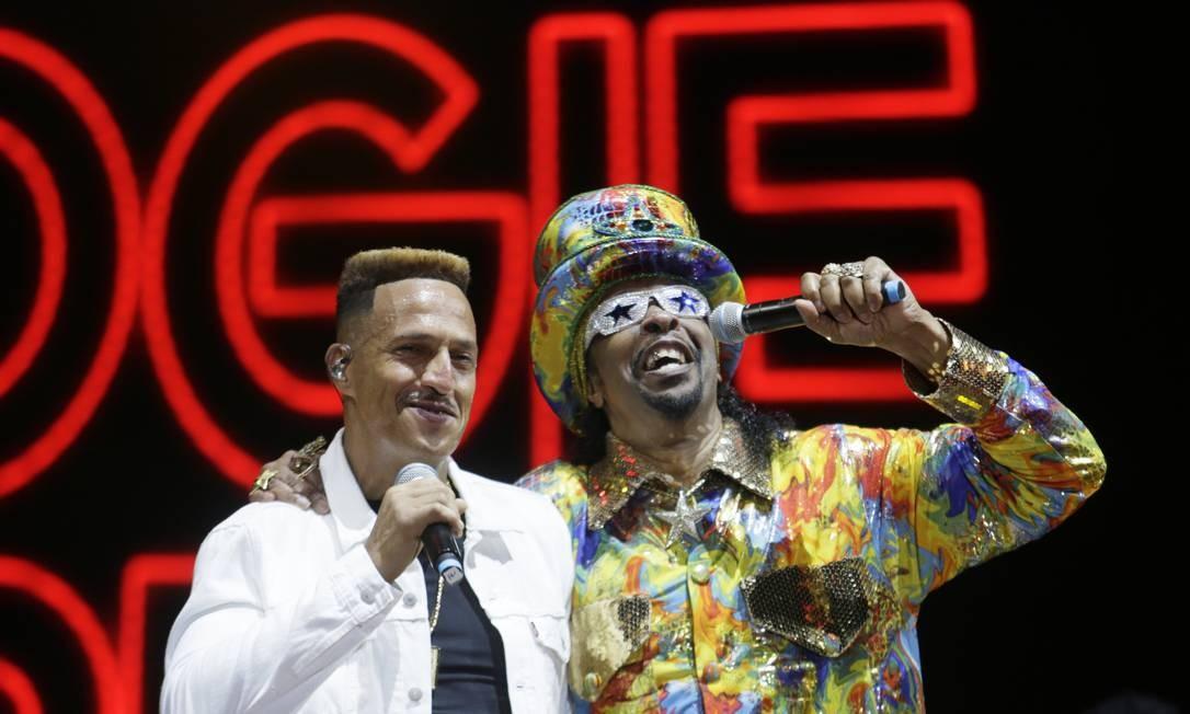 Mano Brown e Bootsy Collins se apresentam no Palco Sunset Foto: Antonio Scorza / Agência O Globo