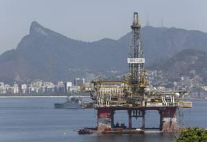 Plataforma de petróleo na Baía de Guanabara Foto: Fábio Guimarães / Fábio Guimarães/11-9-2019