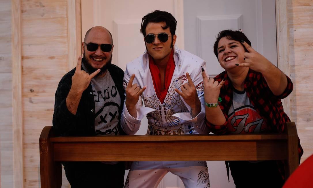 Sósia de Elvis faz sucesso na Capela Love of My Life Foto: Brenno Carvalho / Agência O Globo